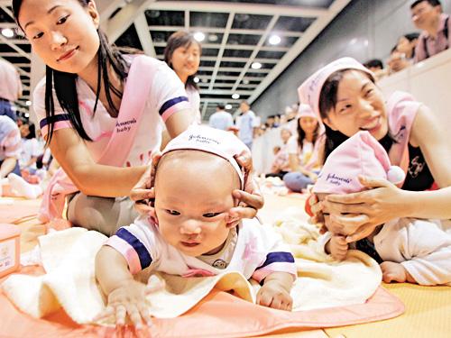 香港不保证2013年双非婴获居留权