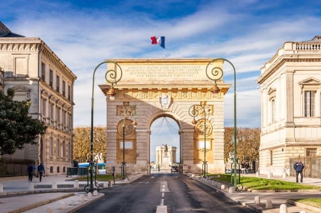 法国公司公证