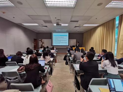 介绍香港的司法体系以及审判制度与内地的异同